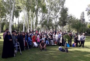 برگزاری اردو به مناسبت بزرگداشت روز معلم